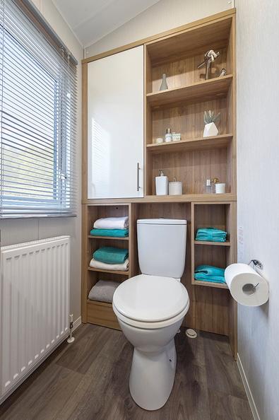 2018-Willerby-Granada-Toilet