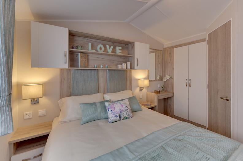 2018-Willerby-Skye-Master-Bedroom