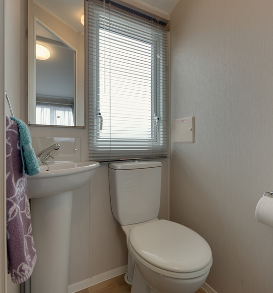 2018-Willerby-Skye-Toilet