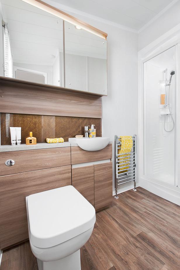 INT-Chamonix-Lodge-En-Suite-Washroom-SWIFT