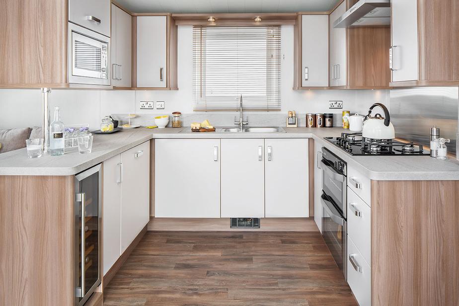INT-Chamonix-Lodge-Kitchen-SWIFT