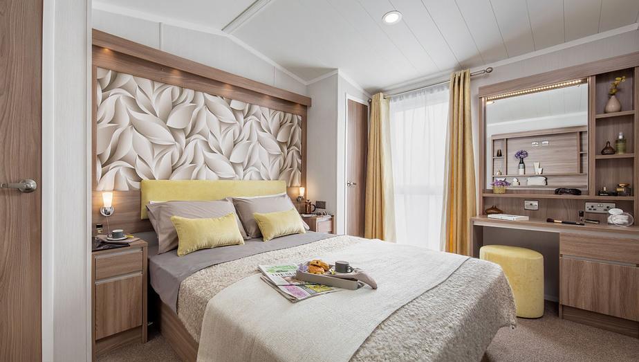 INT-Chamonix-Lodge-Master-Bedroom-SWIFT