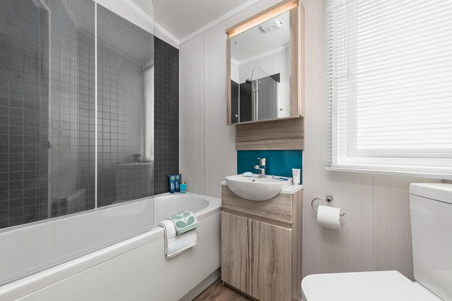 INT-Moselle-Lodge-Bathroom-SWIFT