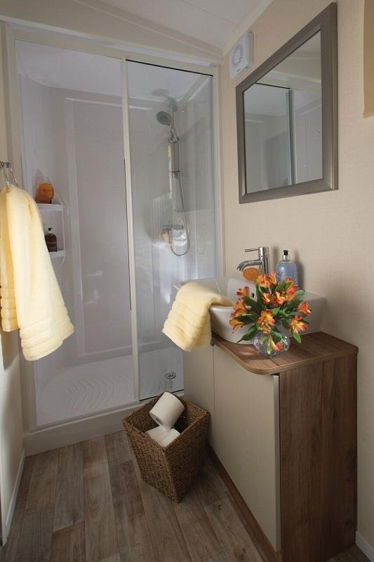Somerton_shower-sm